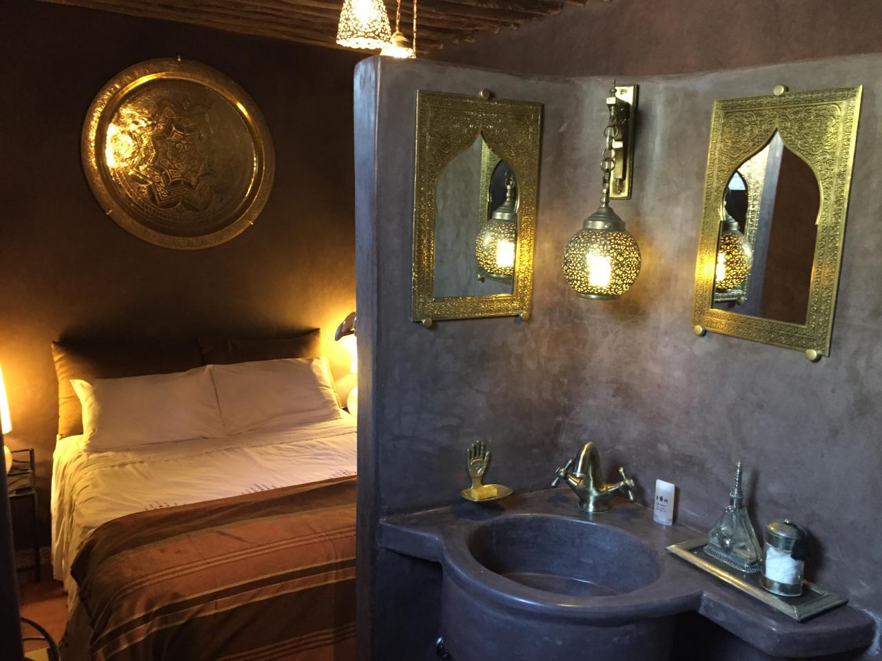 Salle de bain en tadelakt avec douche
